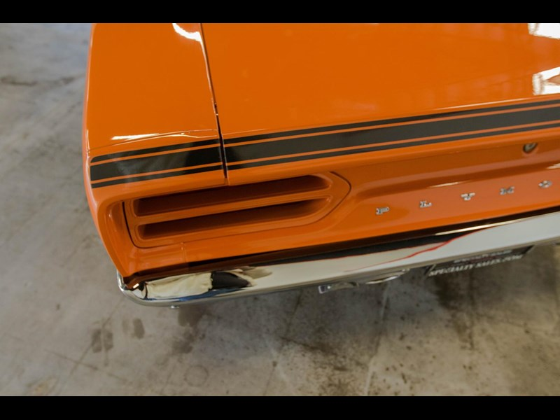plymouth road runner 536401 047