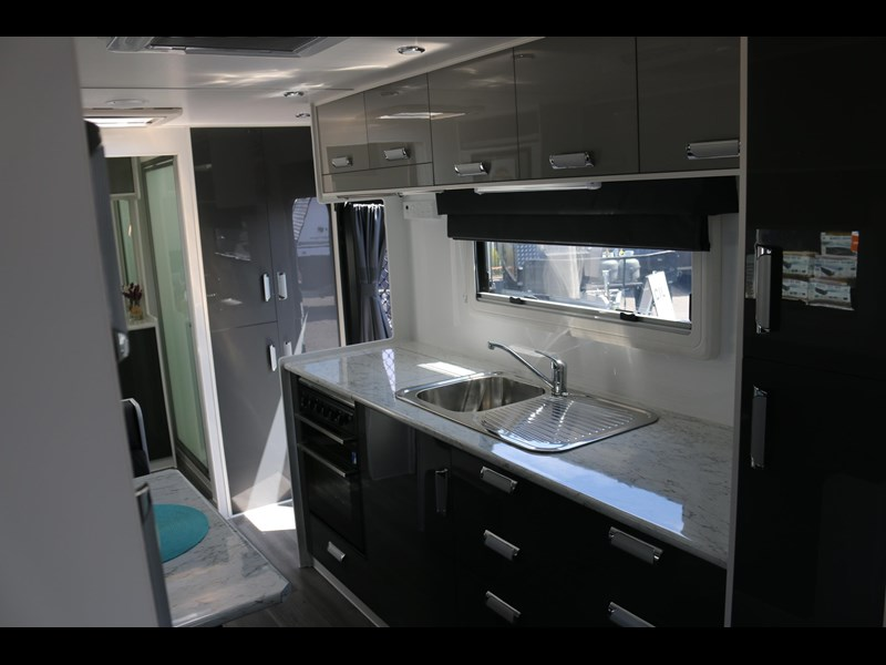 nextgen caravans greyline 21'6 side club 607398 015