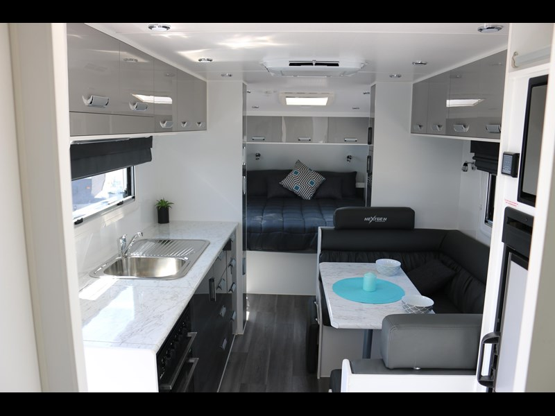 nextgen caravans greyline 21'6 side club 607398 025