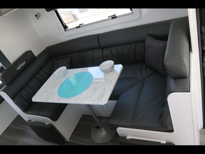 nextgen caravans greyline 21'6 side club 607398 027