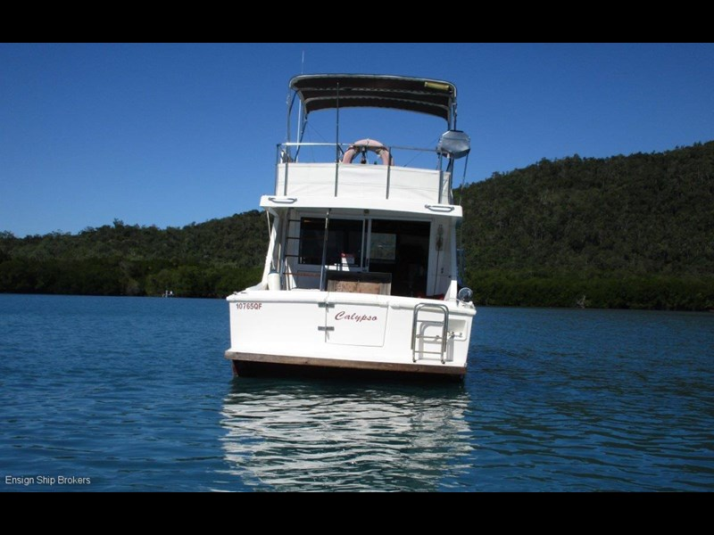 fairway 36 flybridge cruiser 415886 009