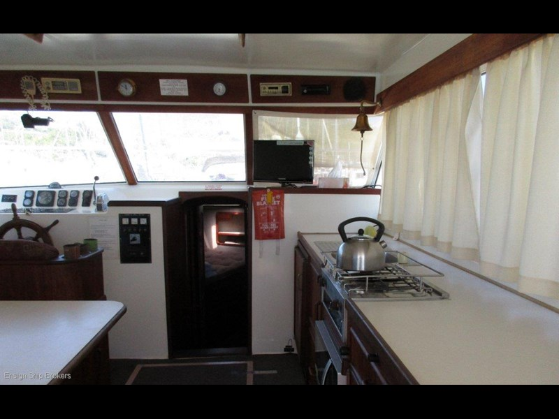 fairway 36 flybridge cruiser 415886 015