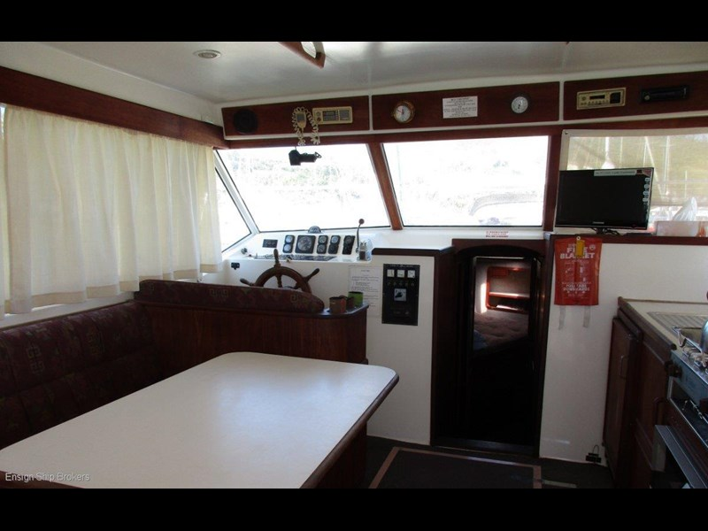 fairway 36 flybridge cruiser 415886 025