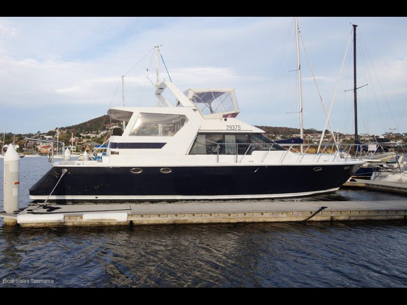 "prima 55 flybridge cruiser ""true blue"" 459627 009"