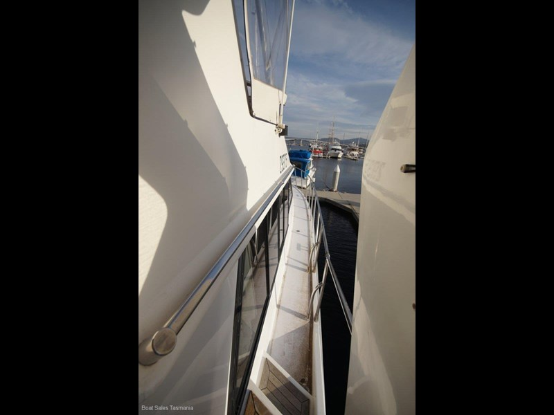 "prima 55 flybridge cruiser ""true blue"" 459627 017"