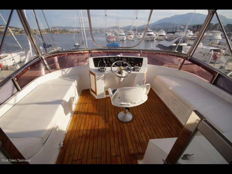 "prima 55 flybridge cruiser ""true blue"" 459627 027"