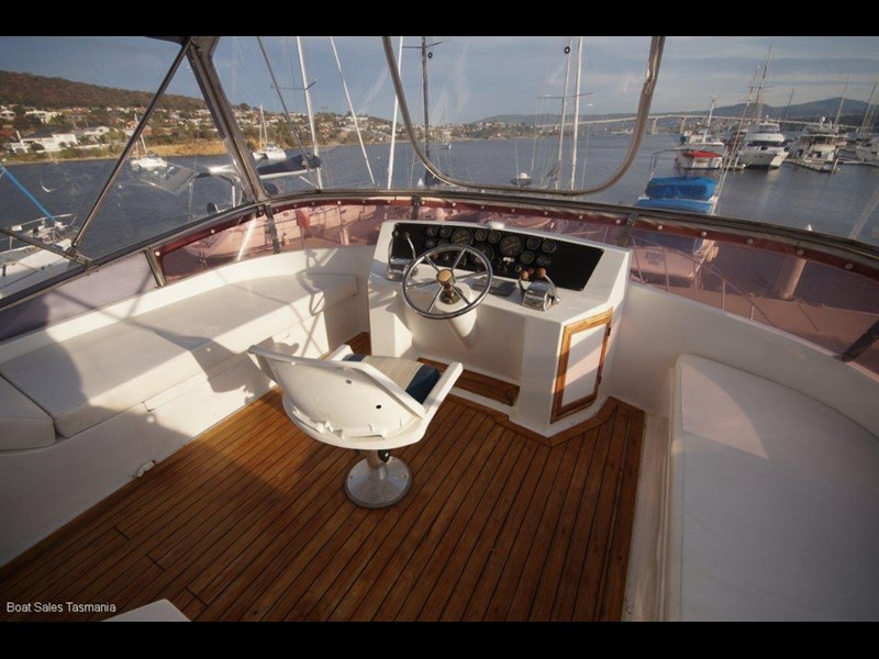 "prima 55 flybridge cruiser ""true blue"" 459627 029"