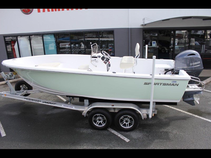 sportsman island reef 19 centre console 561683 001