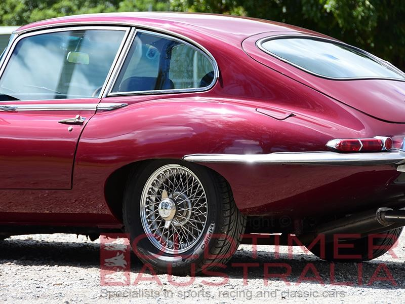 jaguar e-type 656810 053