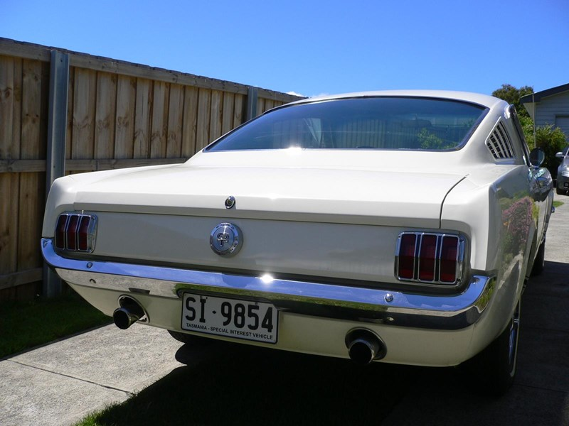 ford mustang 658966 011