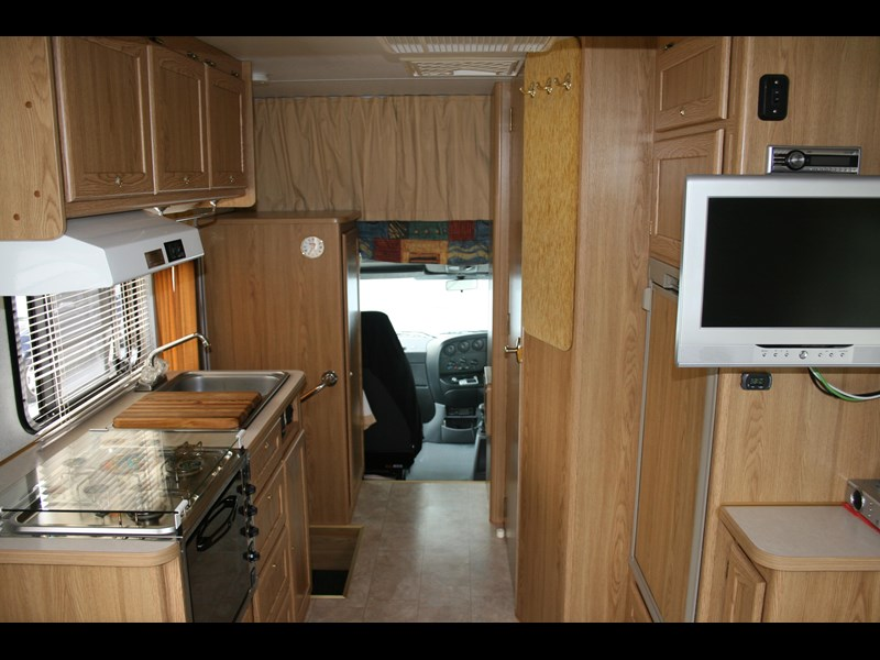 winnebago (avida) leisure seeker 661284 003