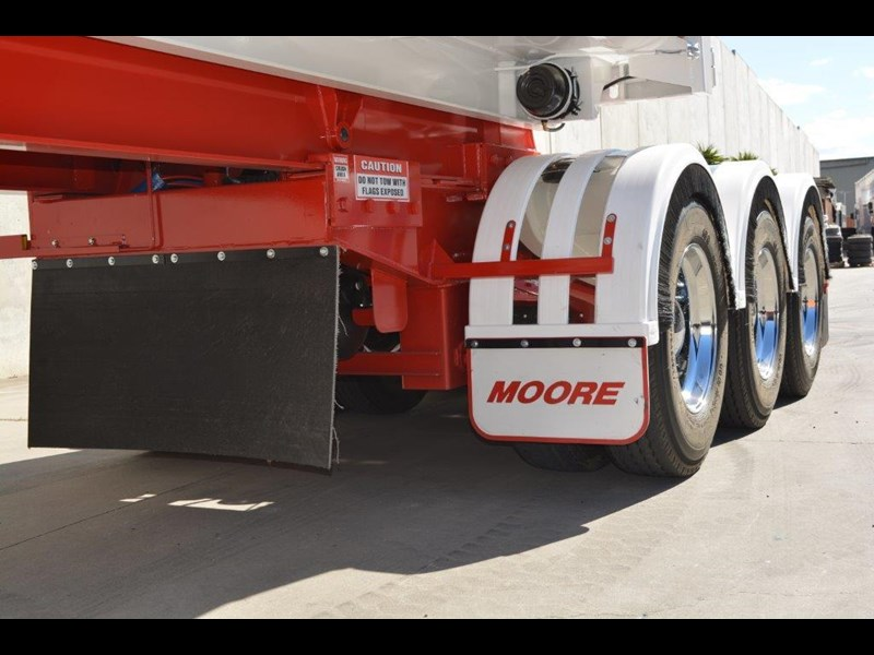 moore sliding a lead - road train chassis tipper 661351 019