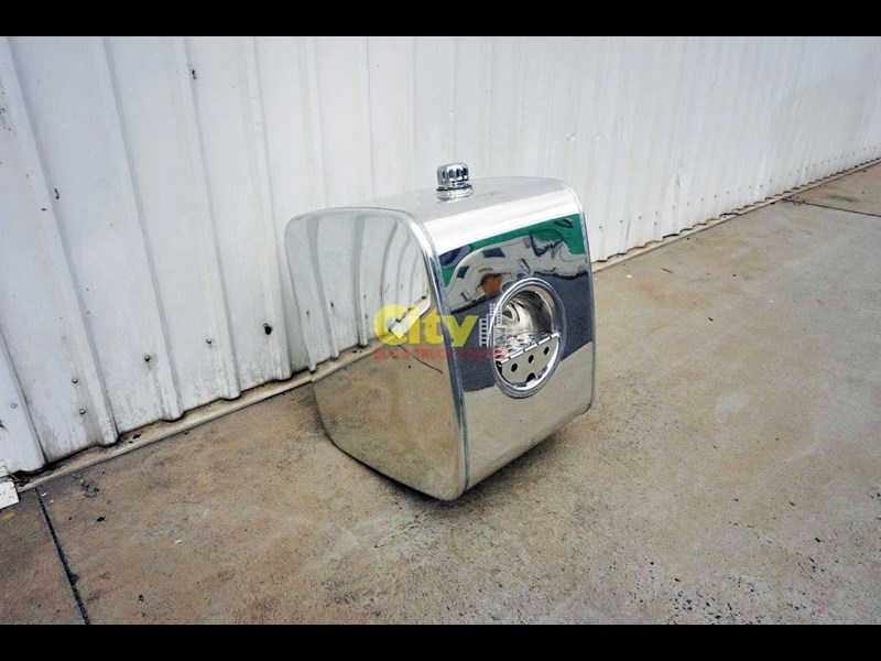 hydraulic oil tanks new kenworth polished alloy hyd oil tank 440048 007