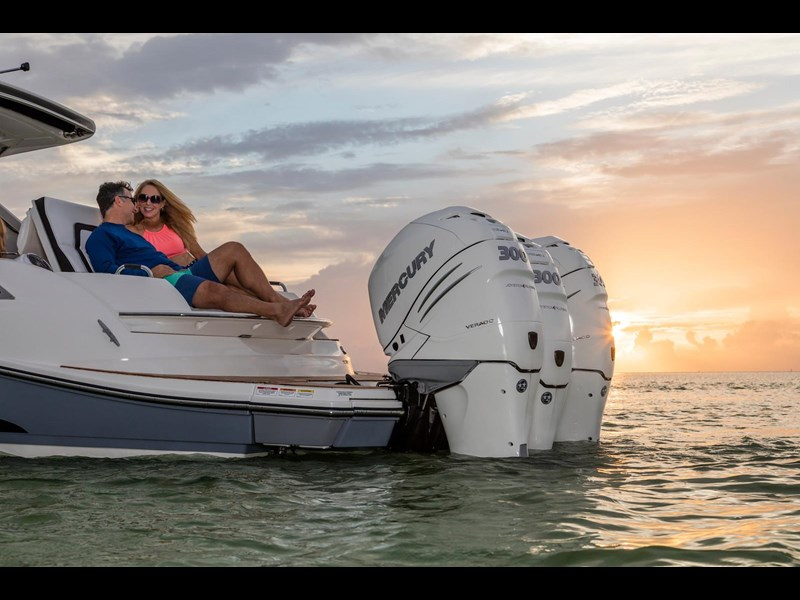 sea ray slx 350 outboard 434374 091