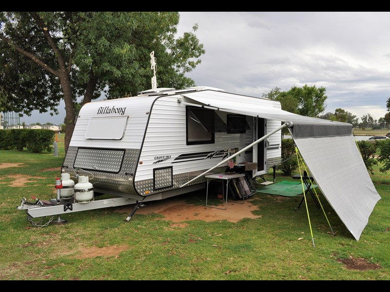 billabong custom caravans grove 186x 664237 003