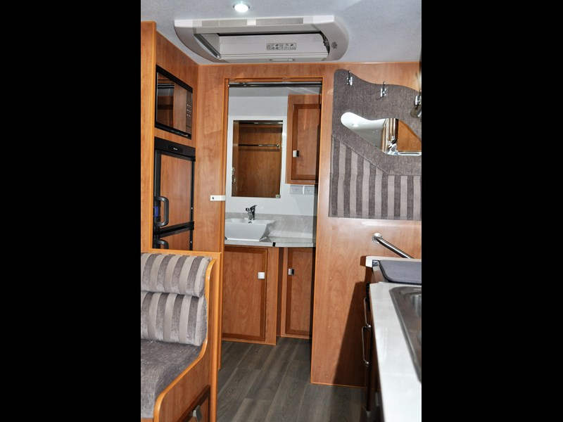 billabong custom caravans grove 186x 664237 009