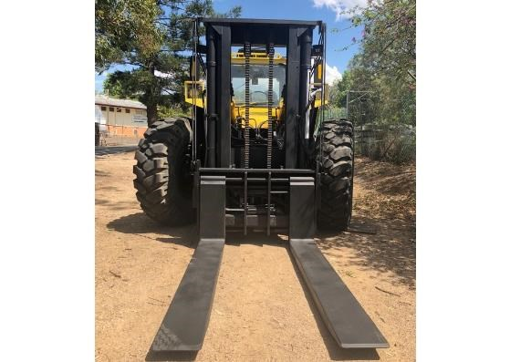 liftking lk1600 all terrain 4wd container handler 599440 009