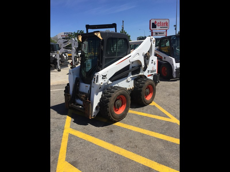 bobcat a770 (all wheel) - low hours 654904 005
