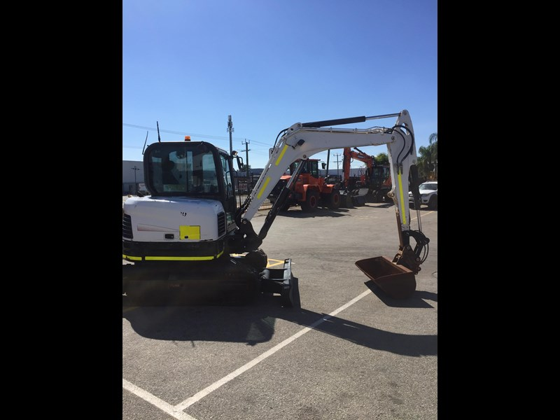 bobcat e60 - good condition - price reduced 599218 009