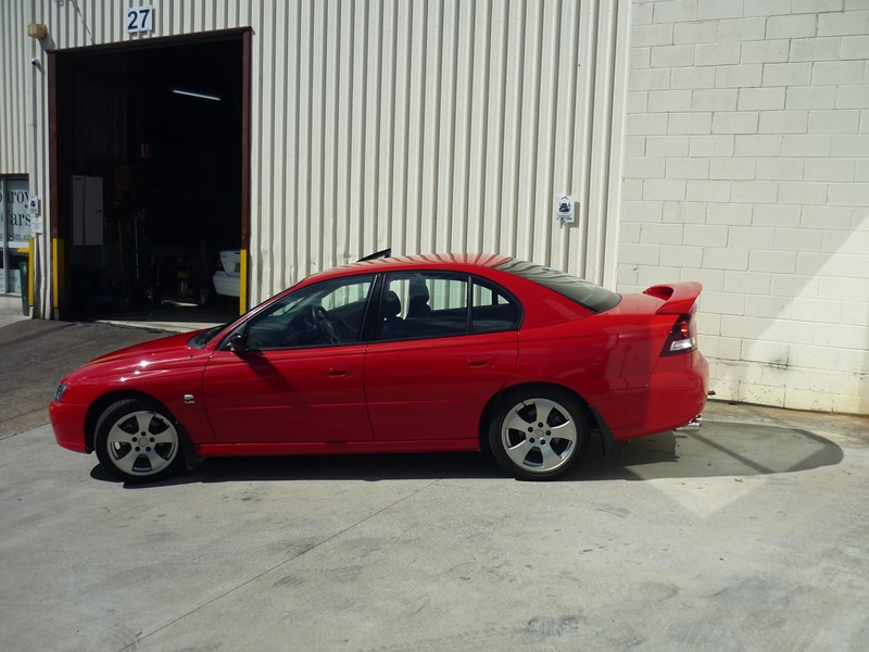 holden commodore 669002 033