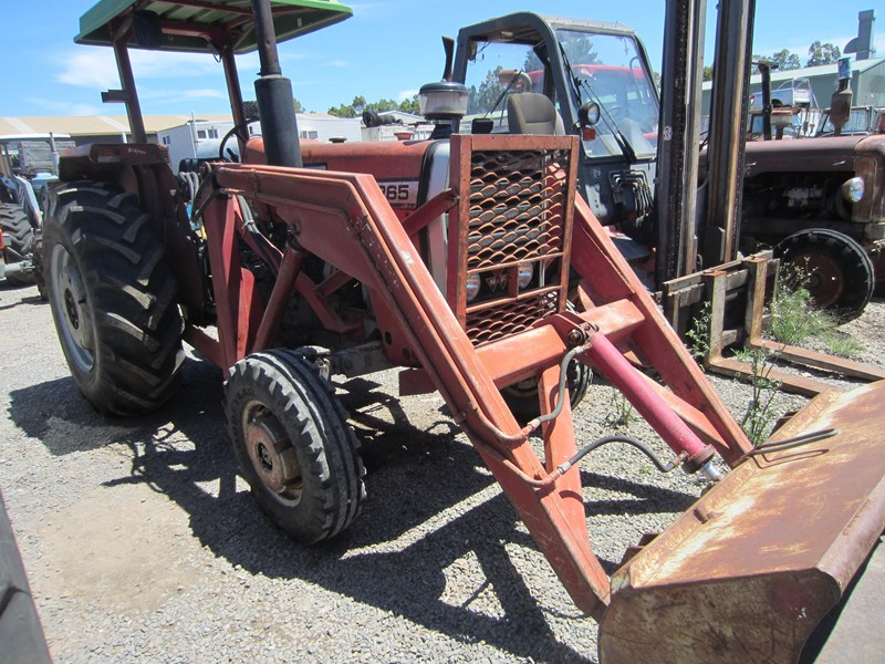 massey ferguson 265 tractor with front end loader 652290 013