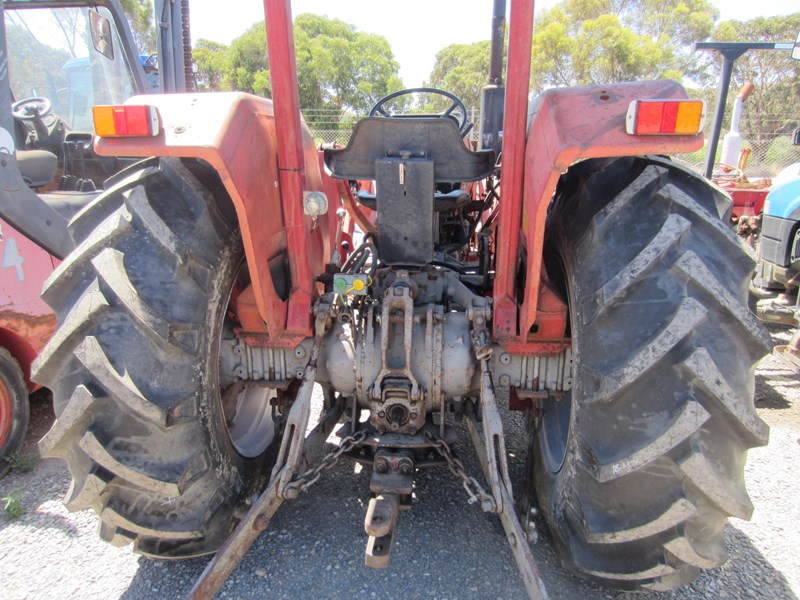 massey ferguson 265 tractor with front end loader 652290 017