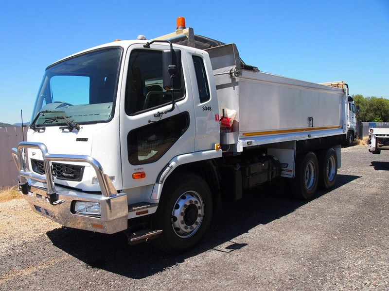 fuso fighter 2427 665089 011