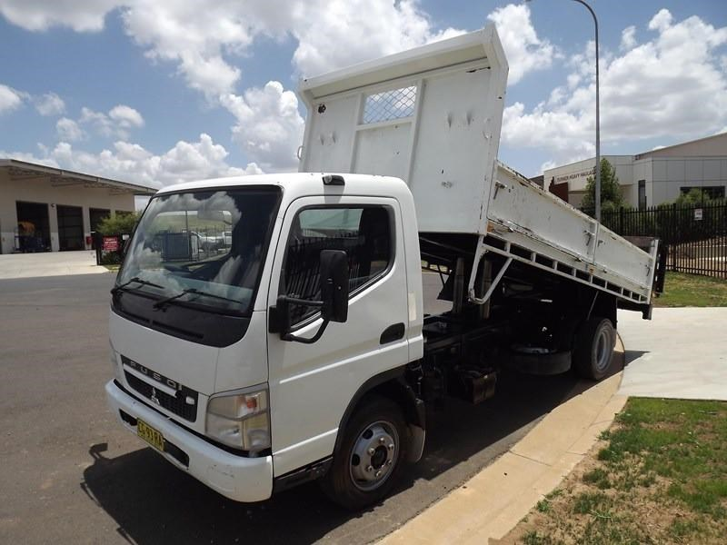fuso canter 671586 003