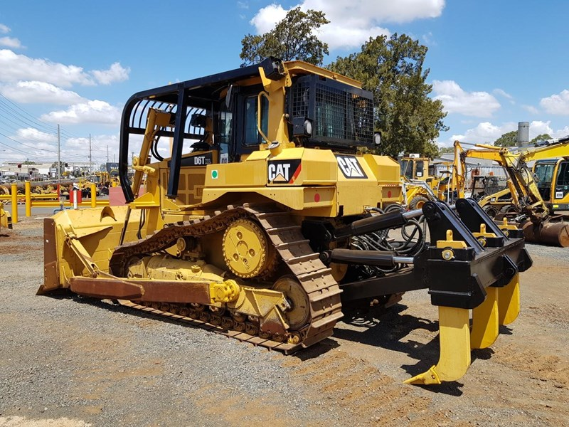 caterpillar d6t xl 666195 007