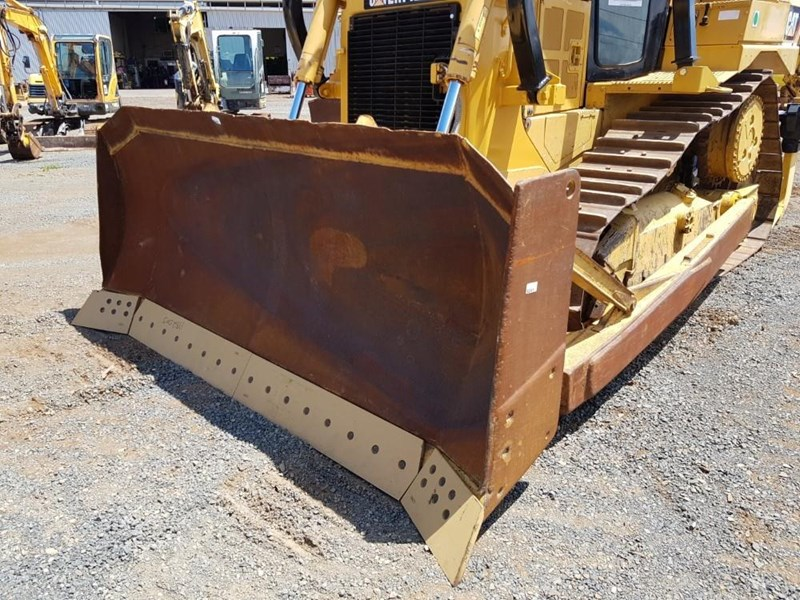 caterpillar d6t xl 666195 043