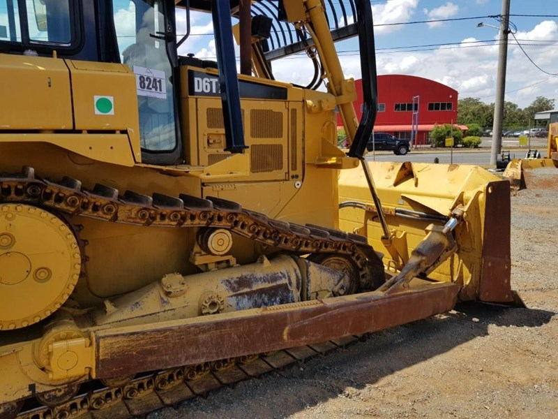 caterpillar d6t xl 666195 053