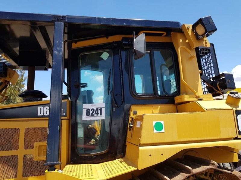 caterpillar d6t xl 666195 017