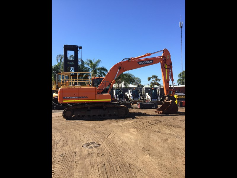 doosan dx225lc - excellent condition 654928 001
