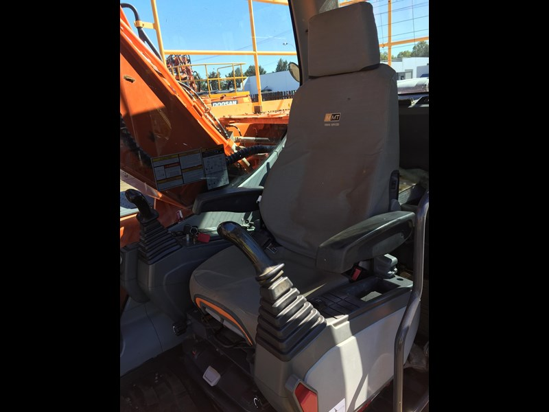 doosan dx225lc - excellent condition 654928 021