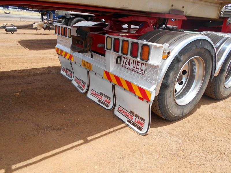 chassis line sliding a trailer 673424 013