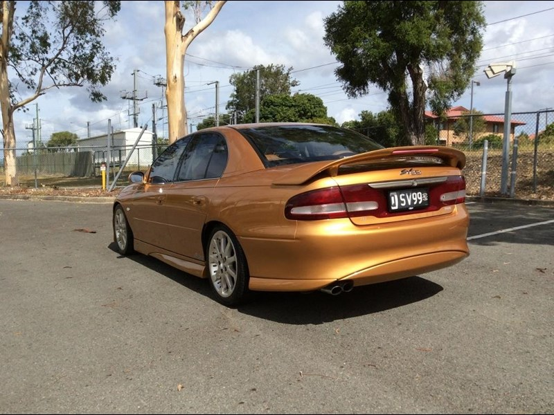 holden commodore 675227 009
