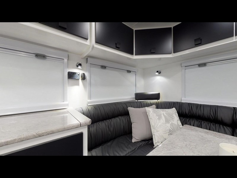 other salute caravans governor 22ft off road 676466 043