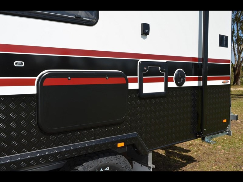 "other salute caravans sabre 20ft 6"" semi off road 676469 021"