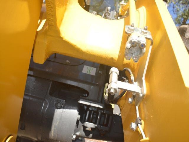 komatsu wa200-8 hitch, forks, 4in1 available 676713 021