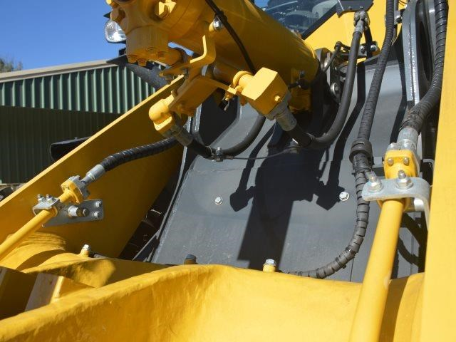 komatsu wa200-8 hitch, forks, 4in1 available 676713 033