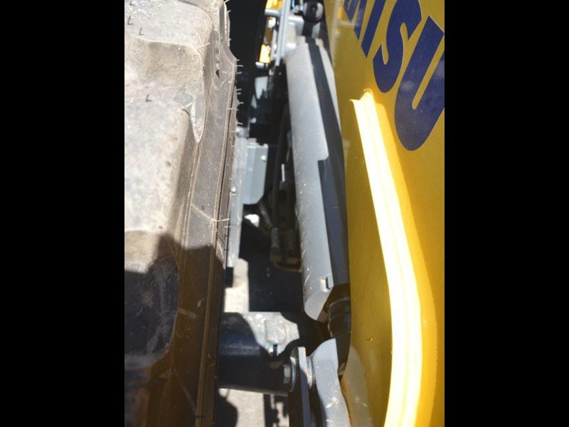 komatsu wa200-8 hitch, forks, 4in1 available 676713 051