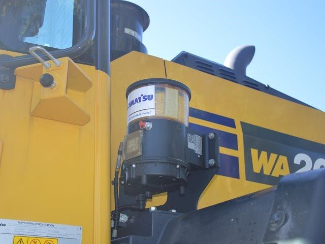 komatsu wa200-8 hitch, forks, 4in1 available 676713 087
