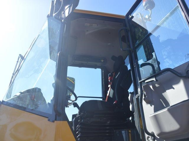 komatsu wa200-8 hitch, forks, 4in1 available 676713 095