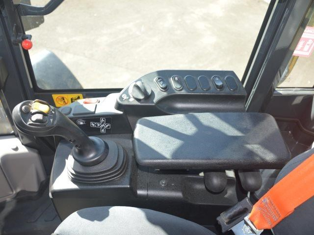 komatsu wa200-8 hitch, forks, 4in1 available 676713 105