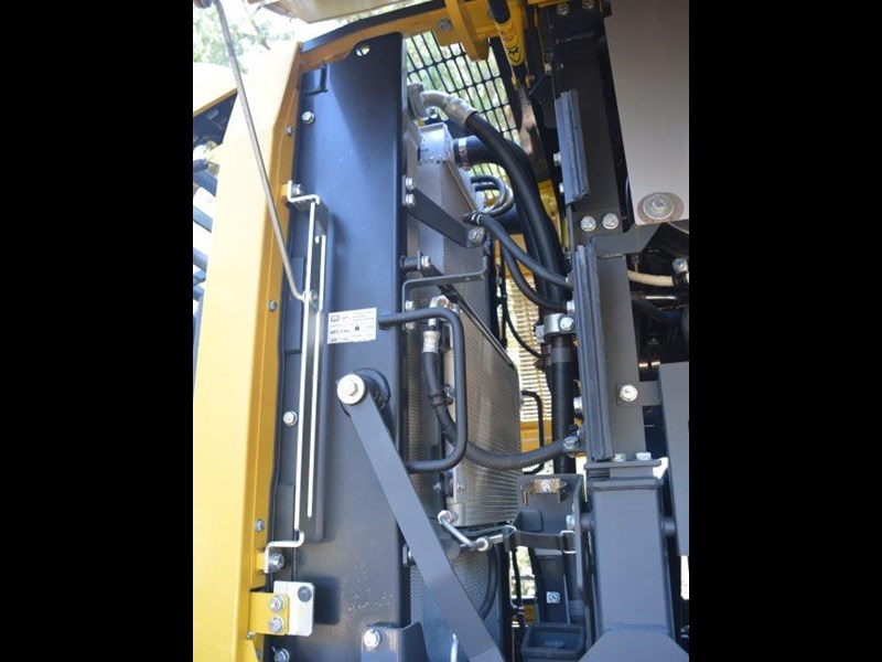 komatsu wa200-8 hitch, forks, 4in1 available 676713 155