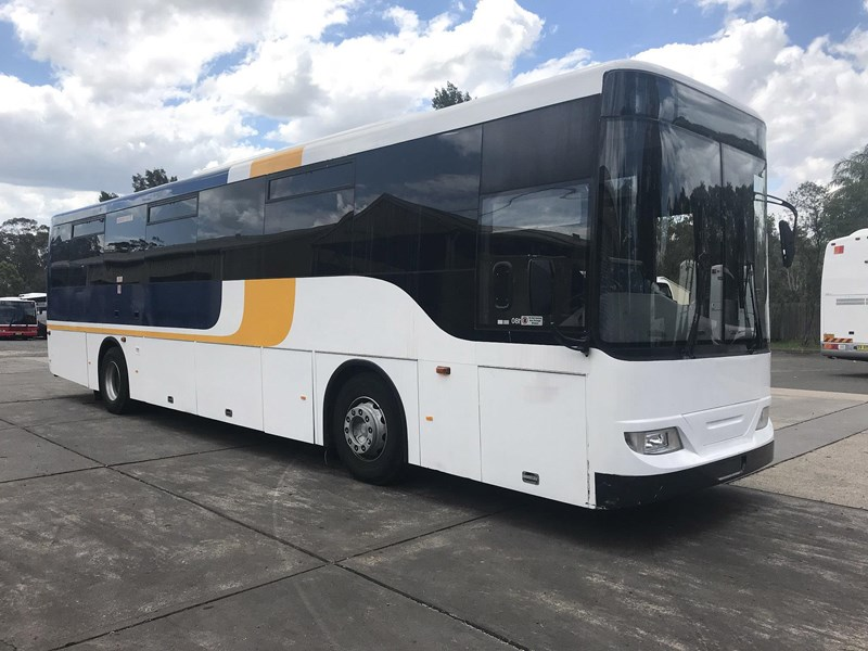 volvo b7r / cummins coach, 2009 model 674324 003