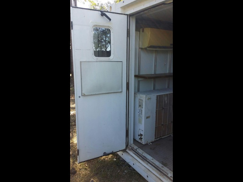 converted refrigerated container  6m twpu960301 677202 009