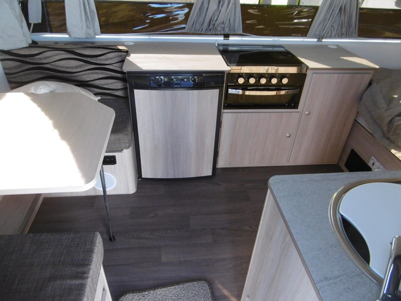 jayco penguin outback 681157 009