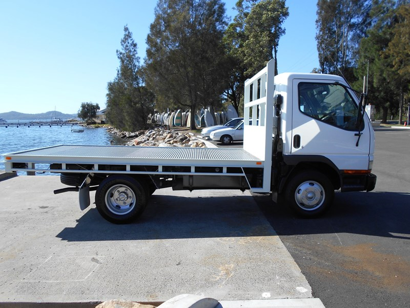 fuso canter 515 4x2 682564 015