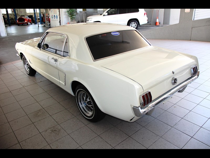 ford mustang 661163 015
